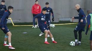 Kangin Lee, en el entrenamiento entre Zaza y Paulista.