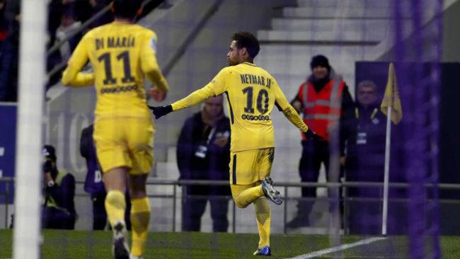Neymar celebra su gol al Toulouse.