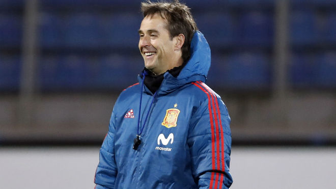 Федерация футбола Испании намерена продлить контракт с Лопетеги