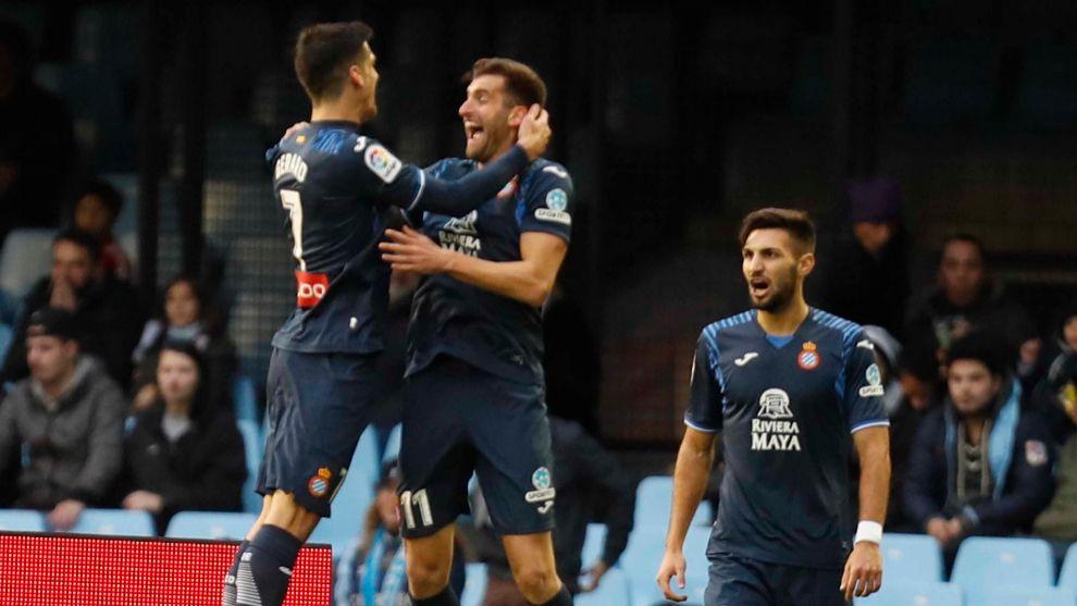 Gerard Moreno y Leo Baptistao celebran un gol