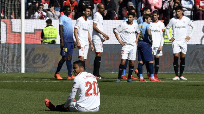 Muriel, sobre el césped tras sentirse las molestias ante el Girona.