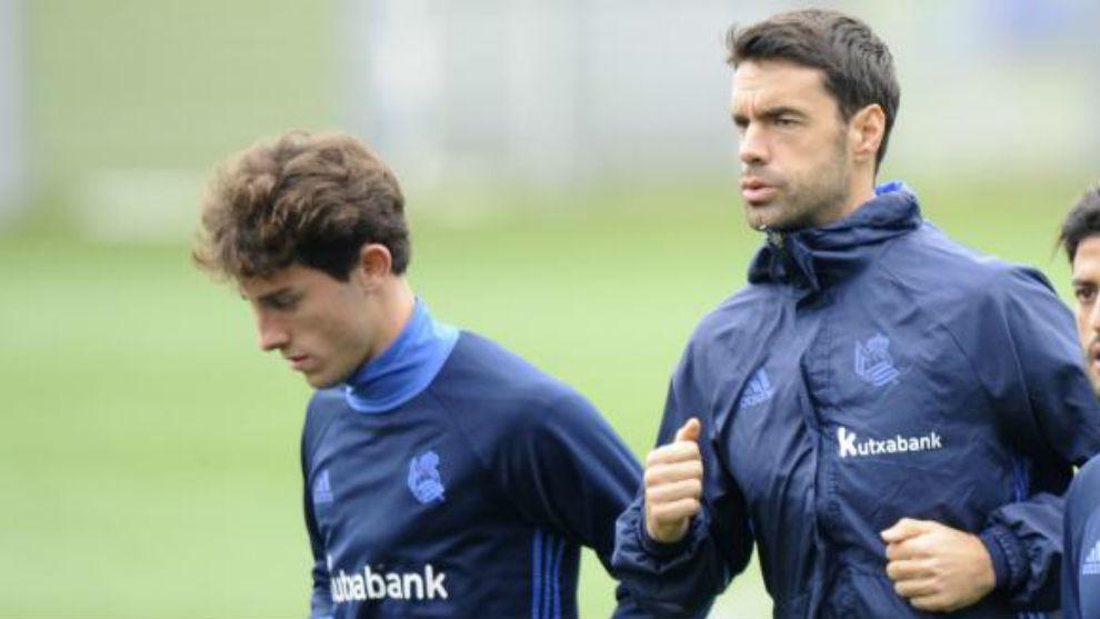 Odriozola y Xabi Prieto, en un entrenamiento.
