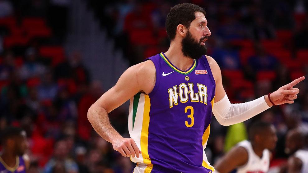 Nikola Mirotic tras encestar ante los Pistons