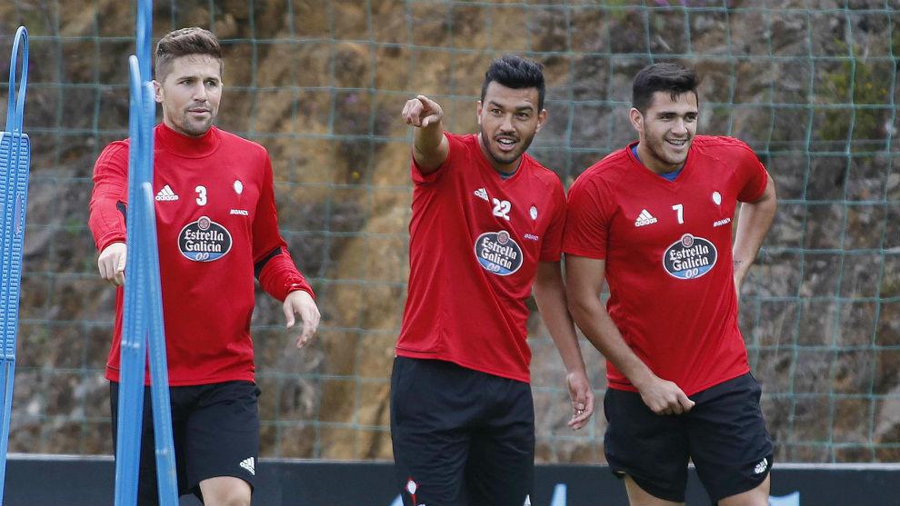 Fontás, Cabral y Maxi Gómez durante un entrenamiento