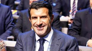 Luis Figo durante un acto de la FIFA.