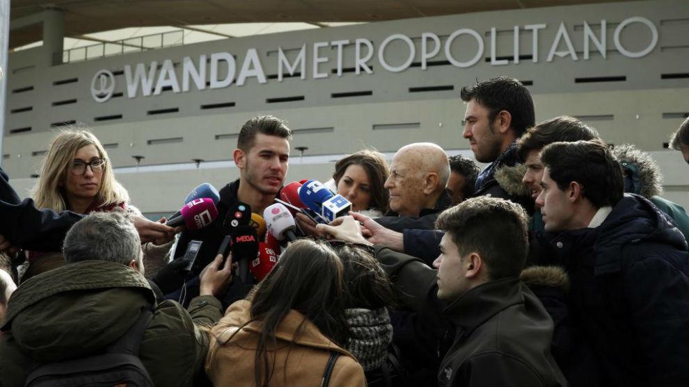 Lucas atiende a la prensa en el Wanda Metropolitano.