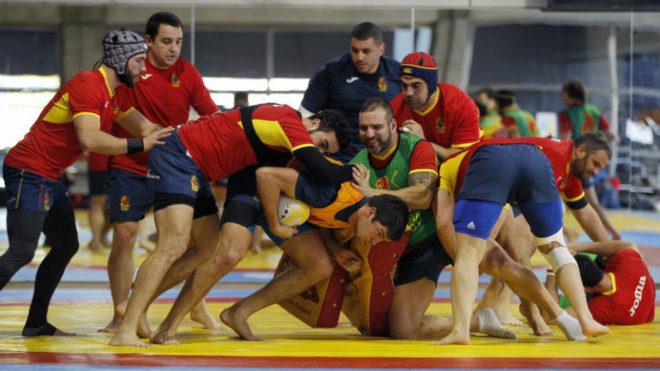 La selección española durante un entrenamiento en el CAR de Madrid.