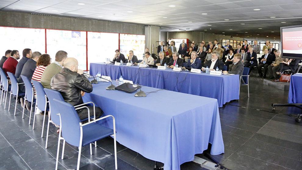 Reunión entre las Federaciones Deportivas Españolas y representantes...