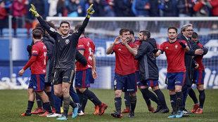 El portero de Osasuna, Sergio Herrera, celebrando una de las victorias...