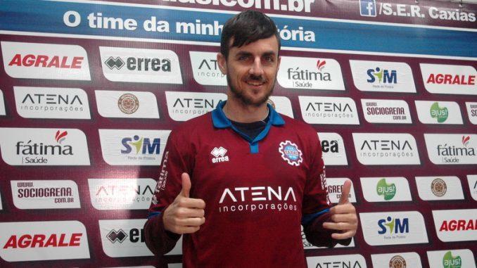 Danilinho el día de su presentación como futbolista del Juazeirense.