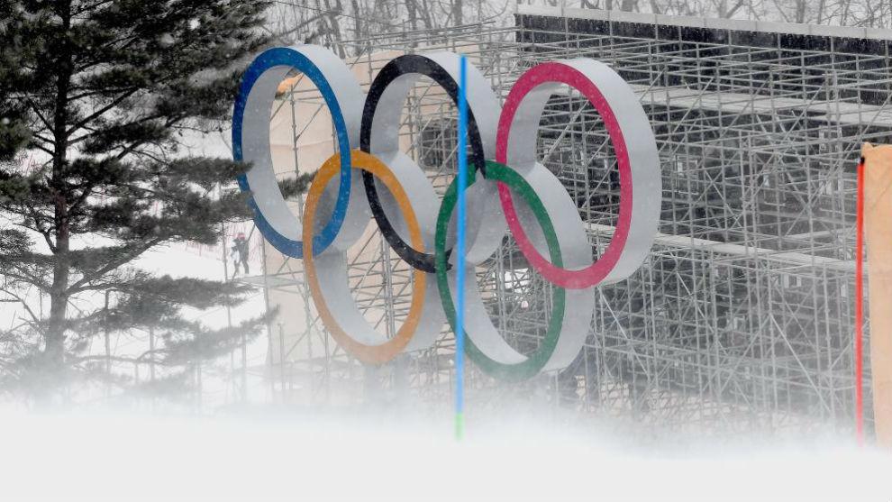 Aros olimpicos en la estación surcoreana de YongPyong.