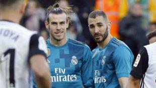 Bale y Benzema, juntos durante el reciente partido del Madrid en...