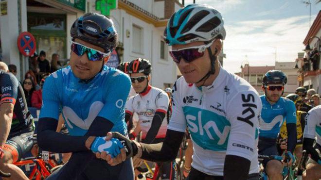 Chris Froome saluda a Mikel Landa antes de la primera etapa de la...