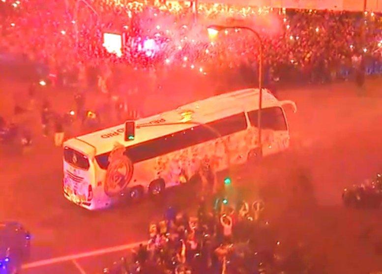 Champions league real madrid psg las reacciones tras for Puerta 53 bernabeu