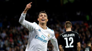 Cristiano celebra el segundo gol del Madrid, segundo en su cuenta.