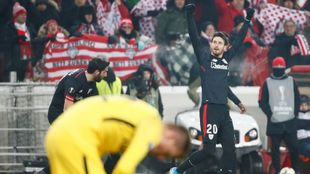 Aduriz celebra uno de sus goles ante el Spartak