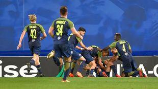 Los jugadores del Salzburgo celebran el gol de Minamino en el 93'