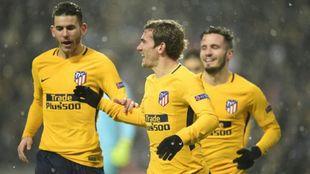 Los jugadores del Atleti celebran el gol de Griezmann