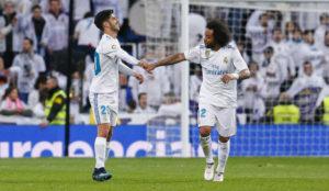 Asensio y Marcelo celebran un gol del Madrid a la Real Sociedad