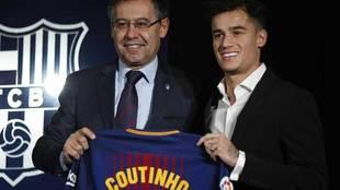 Coutinho, durante su presentación con el Barcelona.
