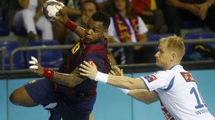 El pivote francés del Barcelona, Cedric Sorhaindo, en un partido ante...