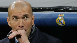Zidane, el pasado miércoles, en el banquillo del Bernabéu