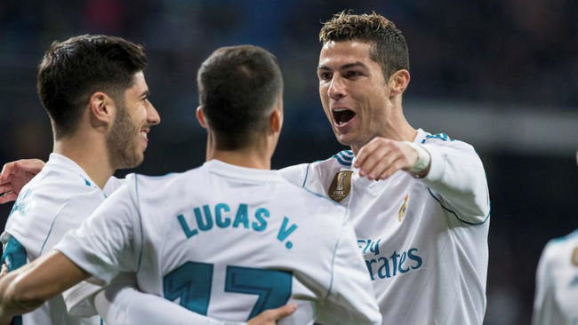 Asensio, Lucas y Cristiano celebran un gol al PSG.