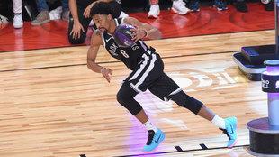 Dinwiddie corre con el balón para ganar la final