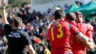 Varios jugadores españoles celebran el histórico triunfo.