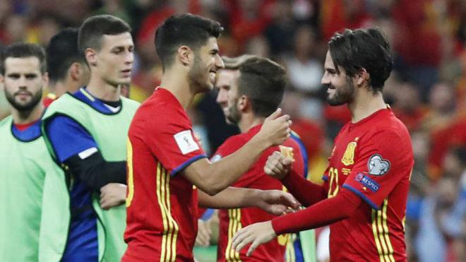 Isco y Asensio, en el partido ante Italia.