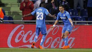 Ángel fue el héroe del partido con dos goles y una asistencia