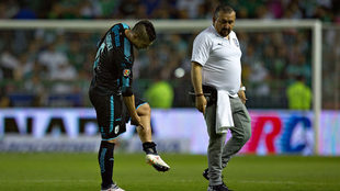 Javier Güemez durante el partido ante León.