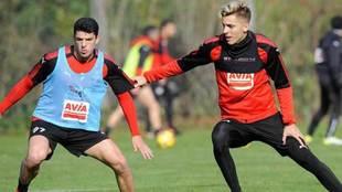 Capa y Alejo, en un entrenamiento del Eibar.
