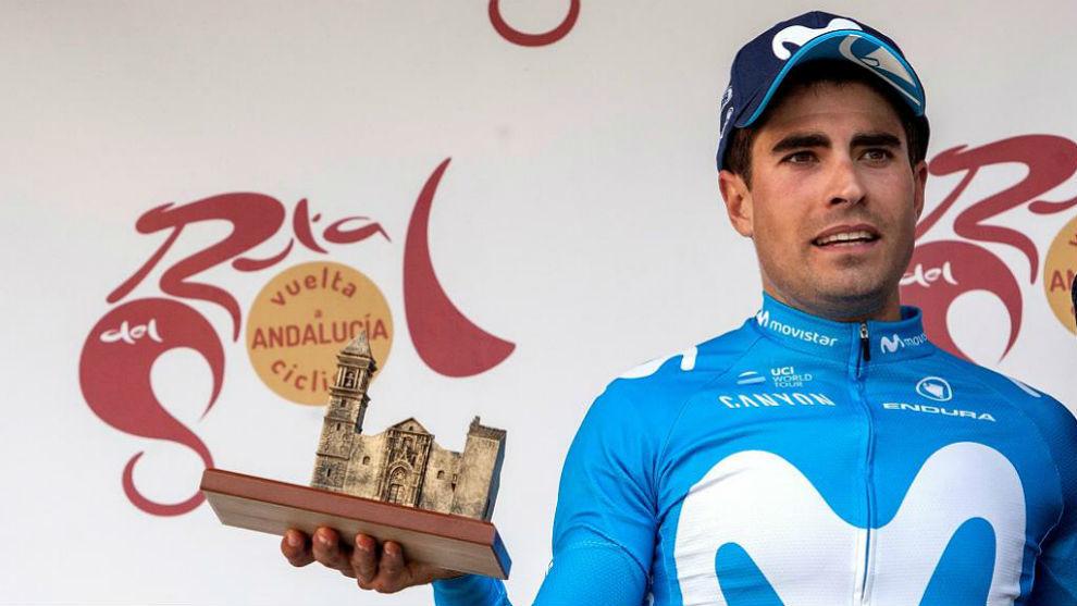 Mikel Landa, en el podio de la 64  Vuelta a Andalucía.