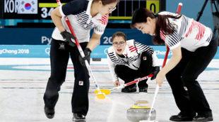 Corea del Sur compitiendo en las semifinales ante Estados Unidos