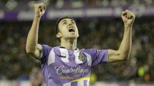 Jaime Mata celebra su gol al Huesca.