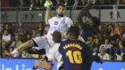 Juanjo Fernández, en el último Ademar-Barcelona en la Copa Asobal