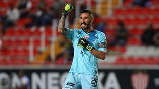 Yosgart Gutiérrez festeja el gol.