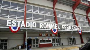 Imagen del exterior del Estadio Rommel Fernández.