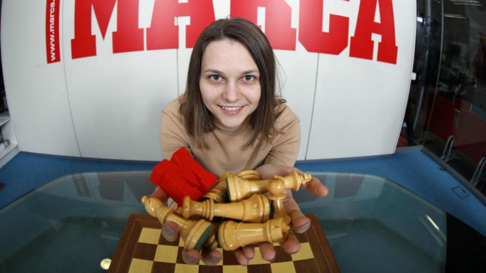 Anna Muzychuk posa para MARCA en la redacción.