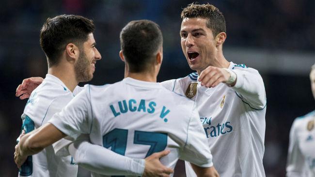 Cristiano felicita a Asensio y Lucas Vázquez celebrando un gol del...