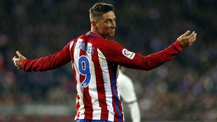 Fernando Torres durante un partido de fútbol