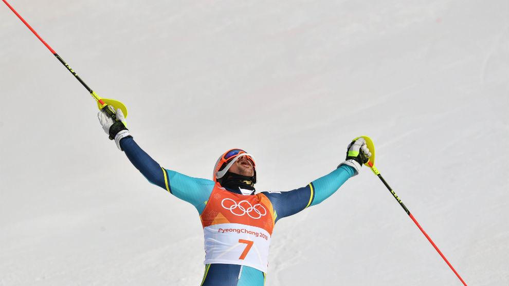 André Myhrer, campeón olímpico de Salom, tras pasar la linea de...