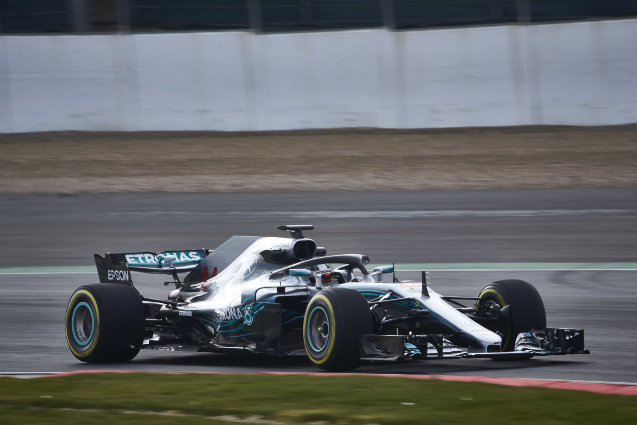 Hamilton prueba el W09.