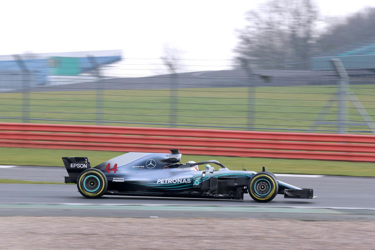 Hamilton, rodando con el W09.