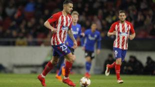 Vitolo conduce el balón durante el partido ante el Copenhague.