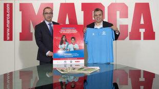Juan Ignacio Gallardo, director de MARCA, y Carlos Bosch, director de...