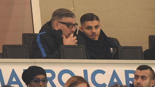 Icardi presencia en el palco un partido del Inter.