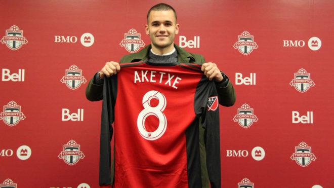 Aketxe, durante su presentación con Toronto.
