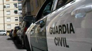 El agresor ya ha sido detenido pero los ladrones siguen en búsqueda